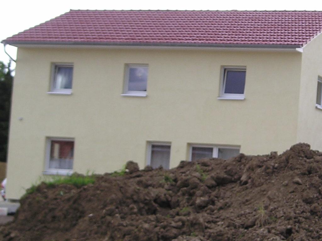 es wird bunt in deutschen baugebieten. Black Bedroom Furniture Sets. Home Design Ideas